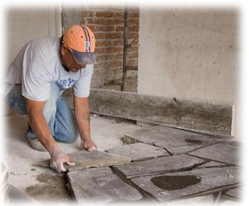 Pokládáni kamenné podlahy